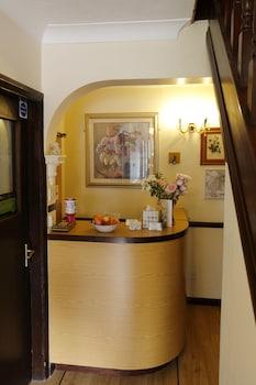 Hotel - Aylesbray Lodge