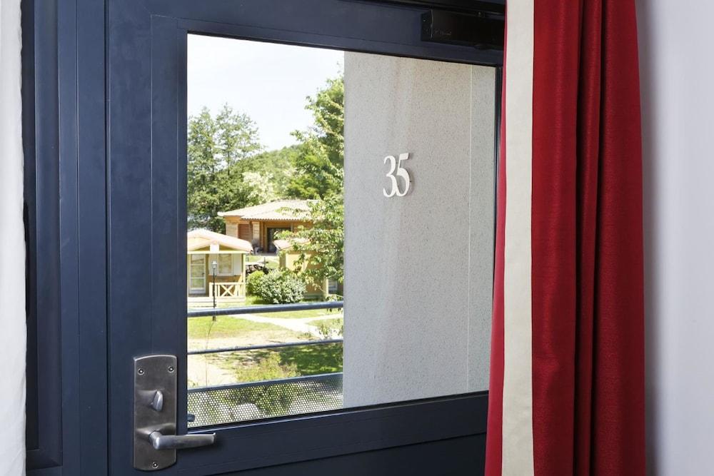 인터-호텔 푸아 오텔 뒤 락(INTER-HOTEL Foix Hôtel du Lac) Hotel Image 19 - Guestroom