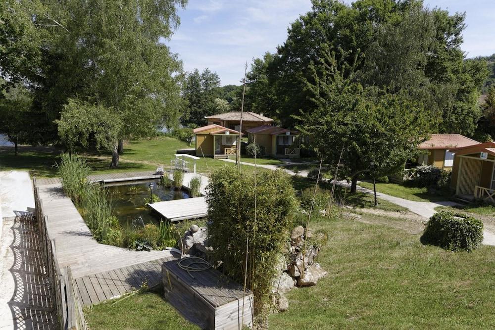 인터-호텔 푸아 오텔 뒤 락(INTER-HOTEL Foix Hôtel du Lac) Hotel Image 42 - Garden