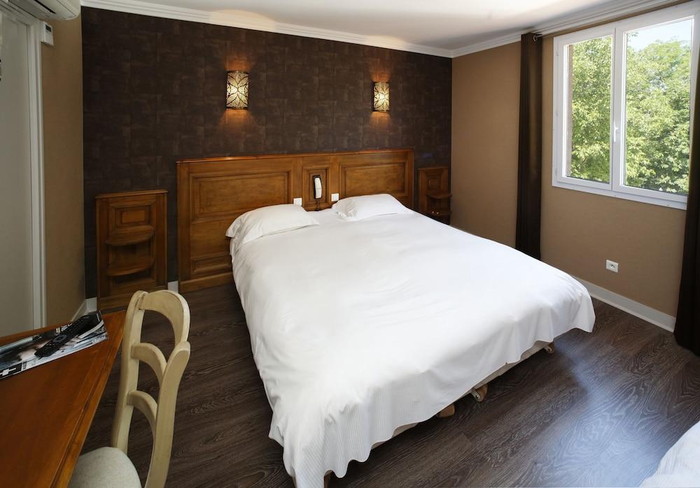 인터-호텔 푸아 오텔 뒤 락(INTER-HOTEL Foix Hôtel du Lac) Hotel Image 3 - Guestroom
