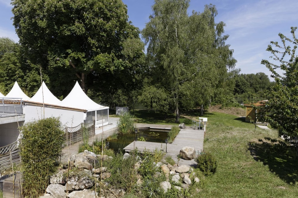 인터-호텔 푸아 오텔 뒤 락(INTER-HOTEL Foix Hôtel du Lac) Hotel Image 44 - Garden