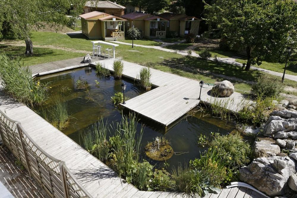 인터-호텔 푸아 오텔 뒤 락(INTER-HOTEL Foix Hôtel du Lac) Hotel Image 39 - Garden