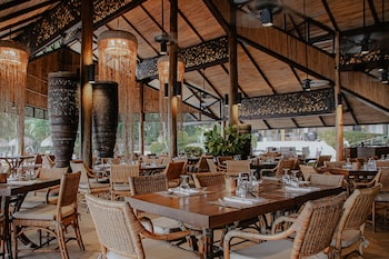 Pearl Farm Davao Breakfast Area