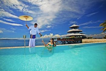 Pearl Farm Davao Infinity Pool
