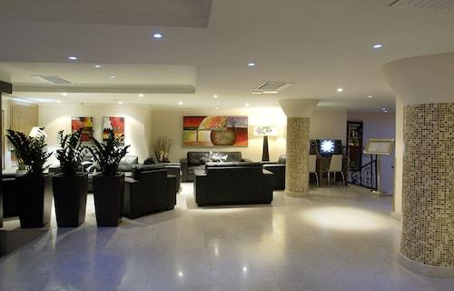 The Windsor Hotel,