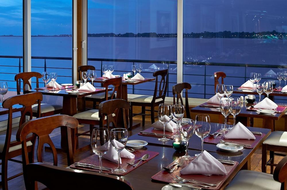 래디슨 호텔 콜로니아 델 사크라멘토(Radisson Hotel Colonia del Sacramento) Hotel Image 43 - Restaurant
