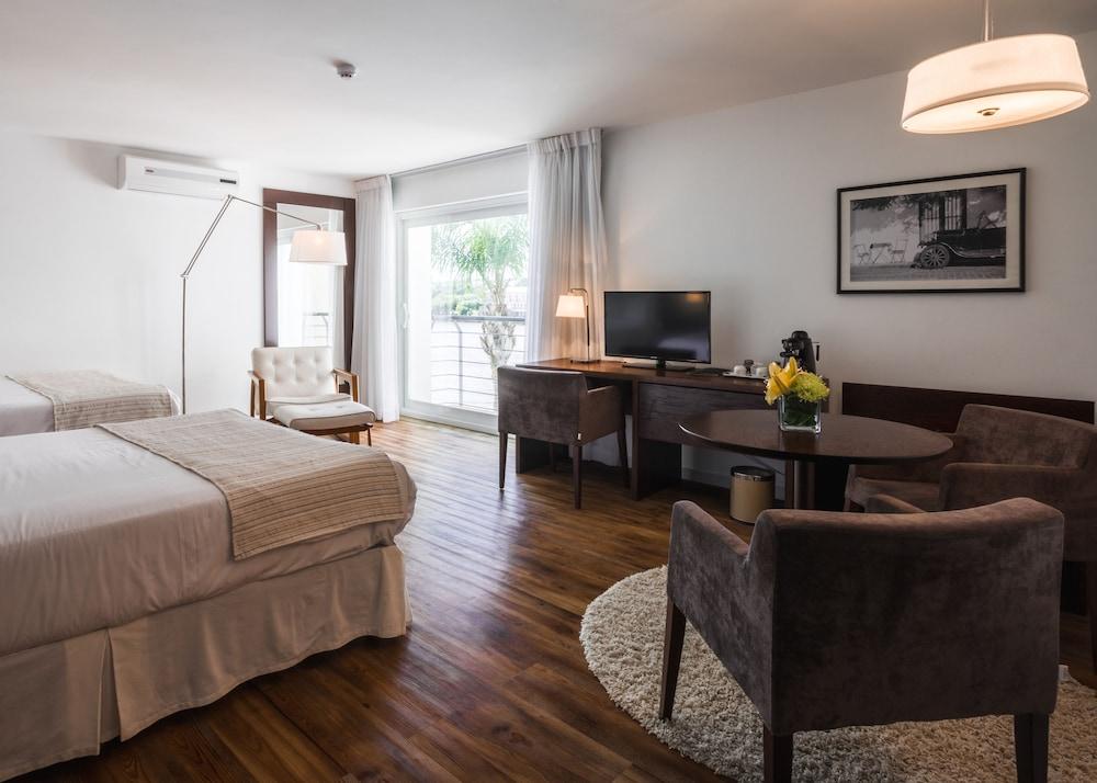 래디슨 호텔 콜로니아 델 사크라멘토(Radisson Hotel Colonia del Sacramento) Hotel Image 21 - Guestroom View