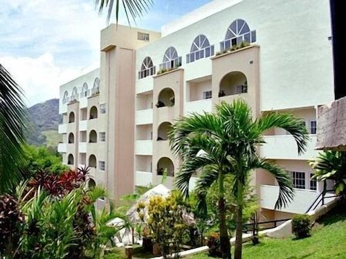 . Hotel Las Cumbres & Water Park