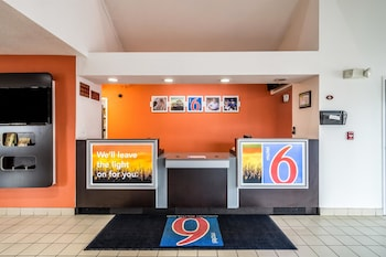Motel 6 Harvey, IL