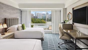 Deluxe Room, 2 Queen Beds, View