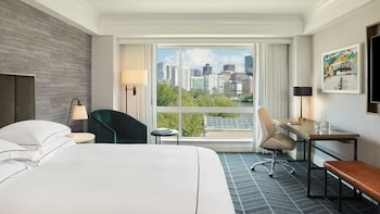 Deluxe Room, 1 King Bed, View