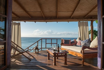 Deluxe Room, Multiple Beds, Beach View