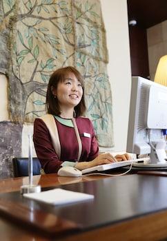 PARK HOTEL TOKYO Concierge Desk