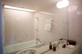 PARK HOTEL TOKYO Bathroom Sink