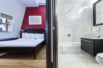 Guestroom at Eurostars Wall Street in New York