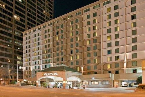 __{offers.Best_flights}__ La Quinta Inn & Suites by Wyndham Downtown Conference Center