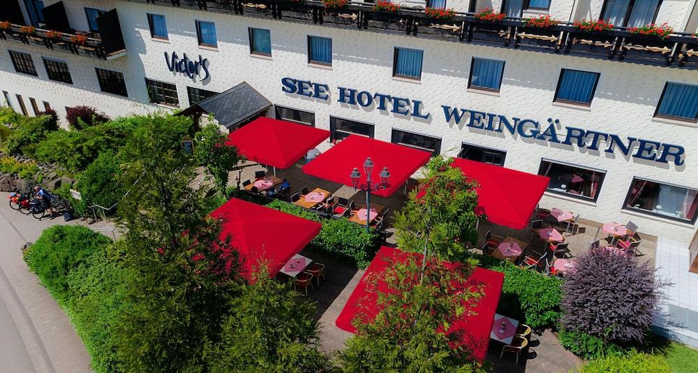 빅토르 제호텔 바인가르트너(Victor's Seehotel Weingärtner) Hotel Image 49 - Terrace/Patio