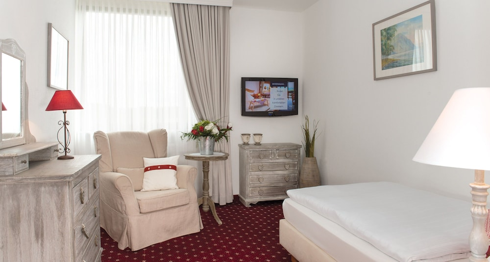 빅토르 제호텔 바인가르트너(Victor's Seehotel Weingärtner) Hotel Image 8 - Guestroom