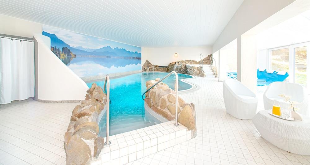 빅토르 제호텔 바인가르트너(Victor's Seehotel Weingärtner) Hotel Image 2 - Pool