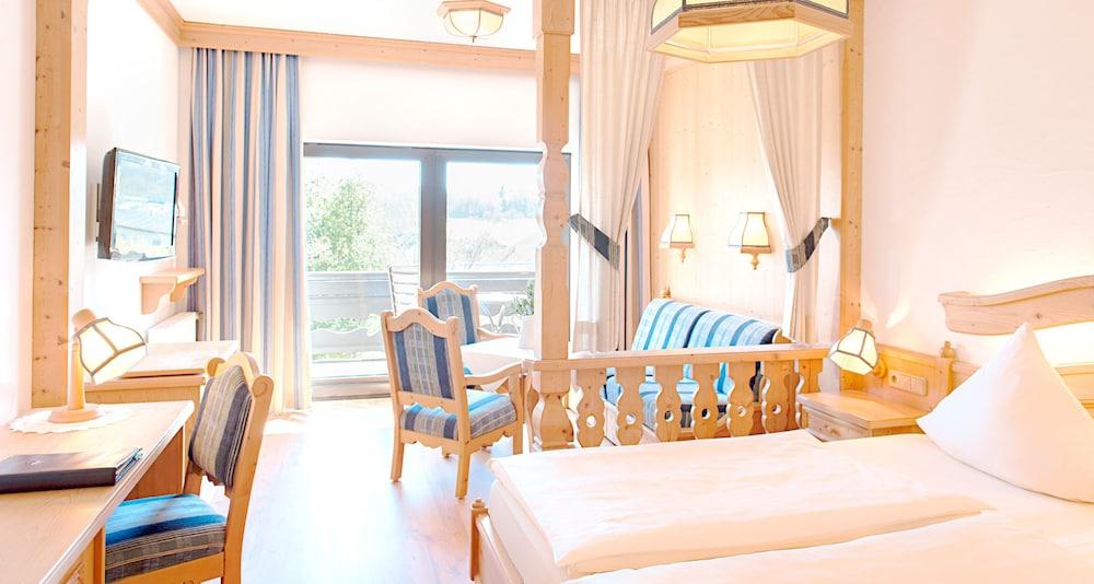 빅토르 제호텔 바인가르트너(Victor's Seehotel Weingärtner) Hotel Image 11 - Guestroom