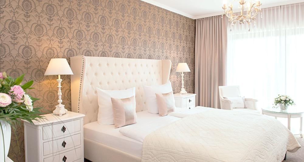 빅토르 제호텔 바인가르트너(Victor's Seehotel Weingärtner) Hotel Image 12 - Guestroom