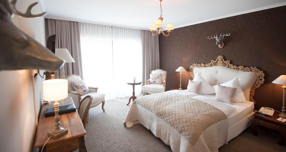 빅토르 제호텔 바인가르트너(Victor's Seehotel Weingärtner) Hotel Image 14 - Guestroom