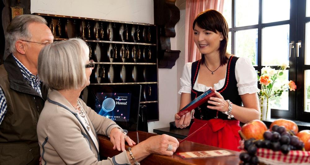 빅토르 제호텔 바인가르트너(Victor's Seehotel Weingärtner) Hotel Image 26 - Reception