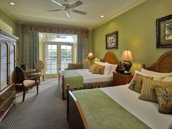 Standard Room, 2 Queen Beds, Golf View