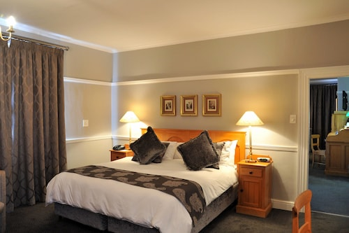 . Protea Hotel by Marriott Worcester Cumberland