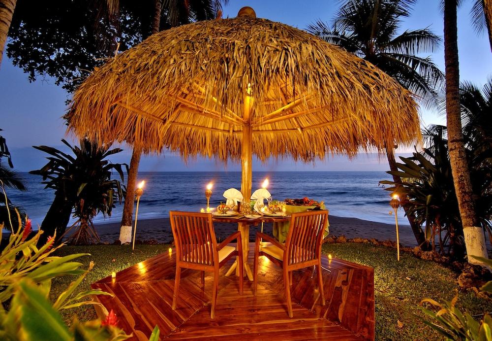 https://i.travelapi.com/hotels/1000000/910000/904000/903960/57f1152f_z.jpg