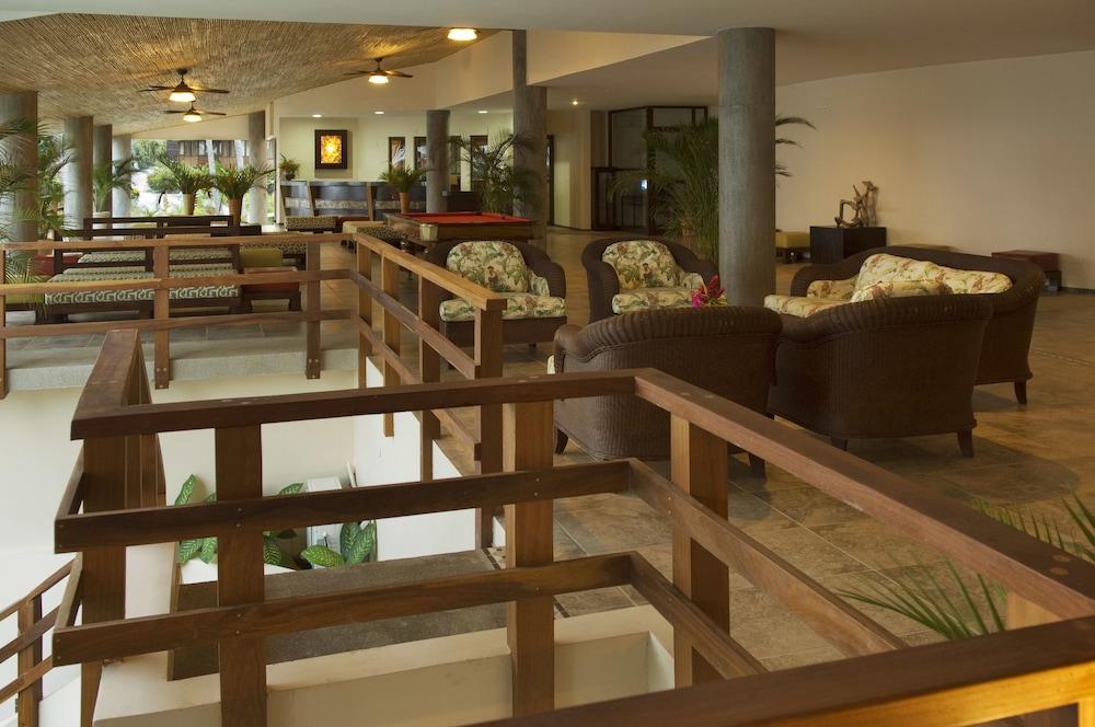 https://i.travelapi.com/hotels/1000000/910000/904000/903960/c3afbb57_z.jpg