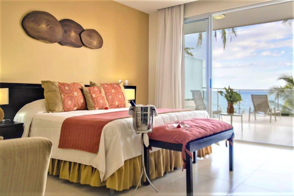 https://i.travelapi.com/hotels/1000000/910000/904000/903960/e9ceafa7_z.jpg