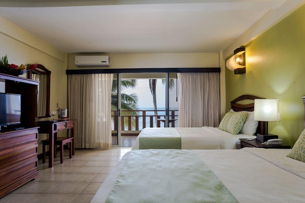 https://i.travelapi.com/hotels/1000000/910000/904000/903960/fca0404c_z.jpg