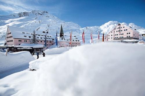 . Arlberg Hospiz Hotel