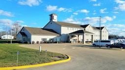 Oak Hill Inn & Suites
