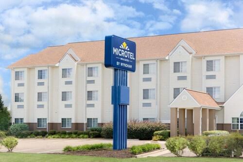 . Microtel Inn & Suites by Wyndham Starkville
