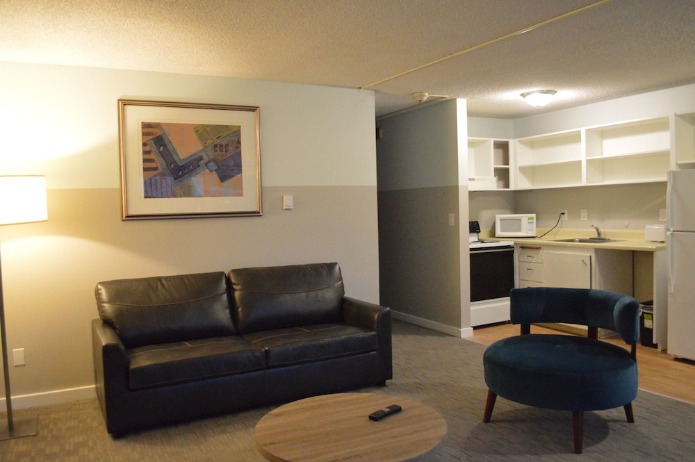 Basic Suite, Multiple Beds