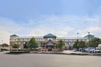 沙加緬度麋鹿林假日套房飯店 Holiday Inn Express Hotel & Suites Elk Grove Ctrl Sacramento, an IHG Hotel
