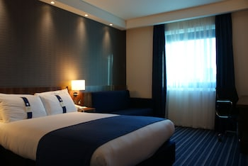Standard Room (Bed type depends on availability)