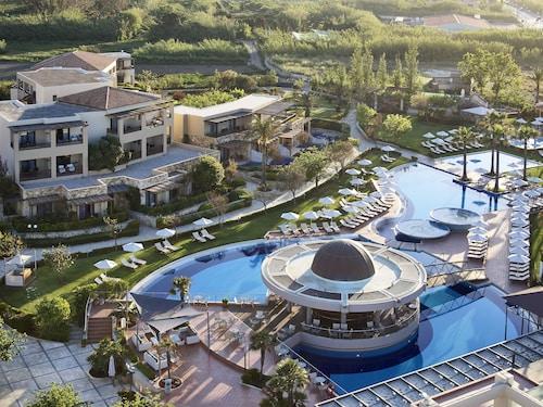 . Minoa Palace Resort & Spa