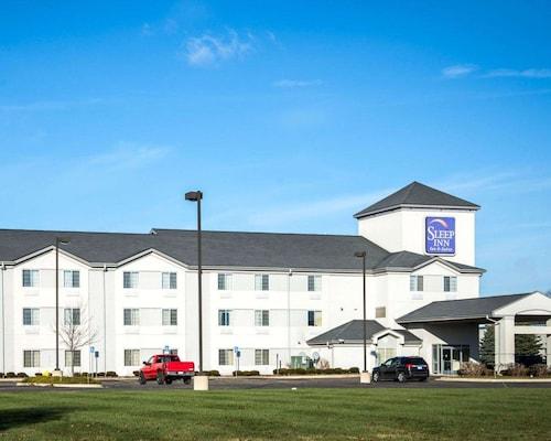 . Sleep Inn & Suites Allendale