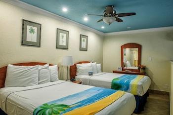 Superior Efficiency Suite: 2 Double Beds in 1 Bedroom and 1 Sleeper Sofa