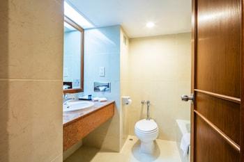 Cholchan Pattaya Beach Resort - Bathroom  - #0