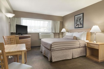 Business Suite, 1 Queen Bed, Non Smoking