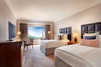 Serene Infinity Sea View Room Twin Bed