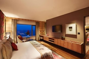 Grande Luxury, Suite, 1 King Bed