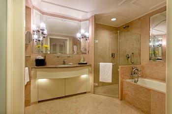Grande Luxury, Room, 1 King Bed