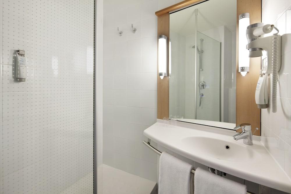 이비스 밀라노 센트로(ibis Milano Centro) Hotel Image 24 - Bathroom