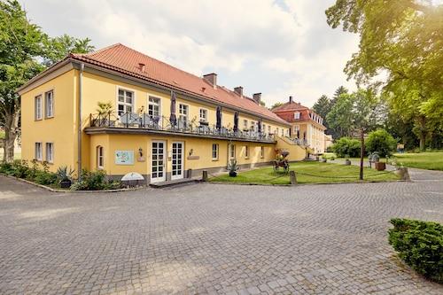 . Van Der Valk Parkhotel Schloss Meisdorf