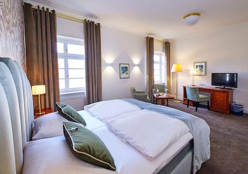 . Van der Valk Schlosshotel Grosser Gasthof